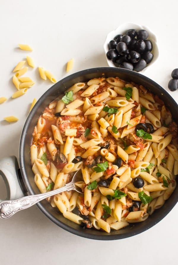 Italian Tuna Olive Rigatoni, the perfect anytime fast,easy and healthy Italian pasta recipe.  Weekday pasta dish for family or guests.