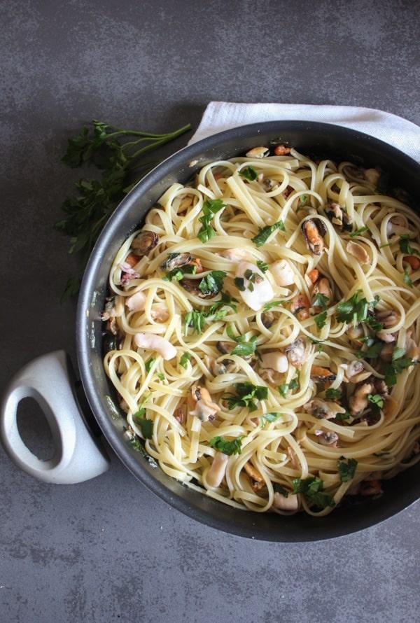 Italian Seafood Linguine