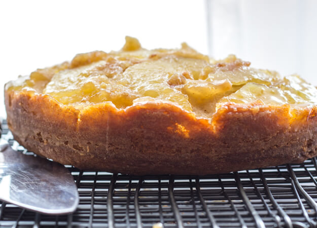 An Easy Caramel Upside Down Apple Cake, a fast and delicious Fall Dessert recipe, brown sugar and cinnamon make this the ultimate Apple Cake.