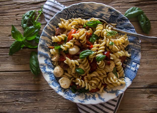 roasted pepper pasta salad in big bowl