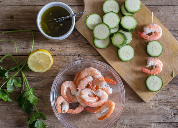 ingredients to make grilled shrimp