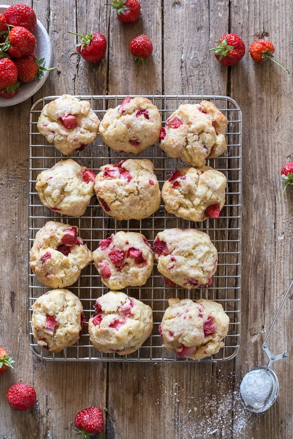 baked strawberry cookies on a wire rack