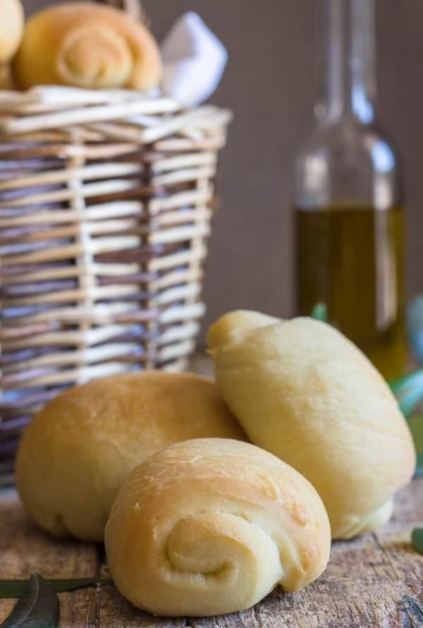 Homemade Olive Oil Bread Rolls
