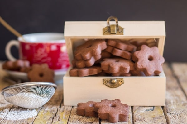 canestrelli cookies in a box