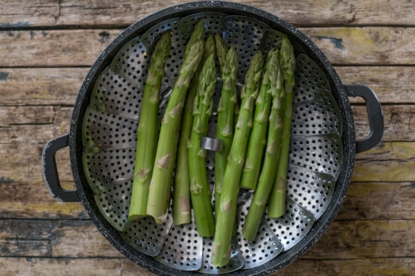 how to make roasted asparagus, raw to be steamed