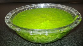 Freshly made coriander chutney ready to be served
