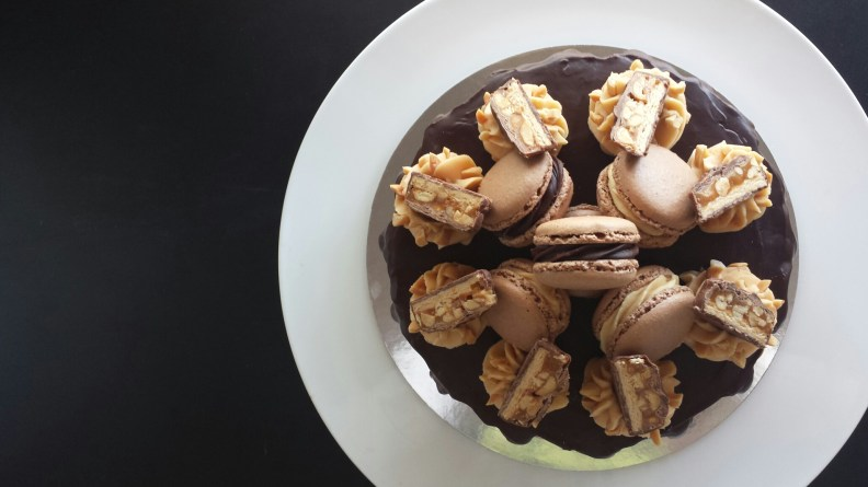 Snickers Macaron Stackaron