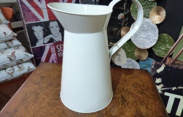 Cream tin milk jug