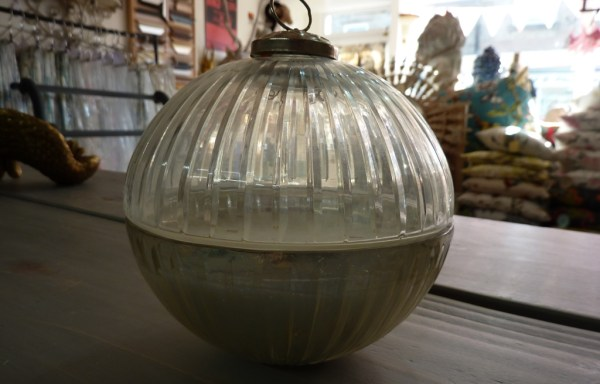 Medium glass candle