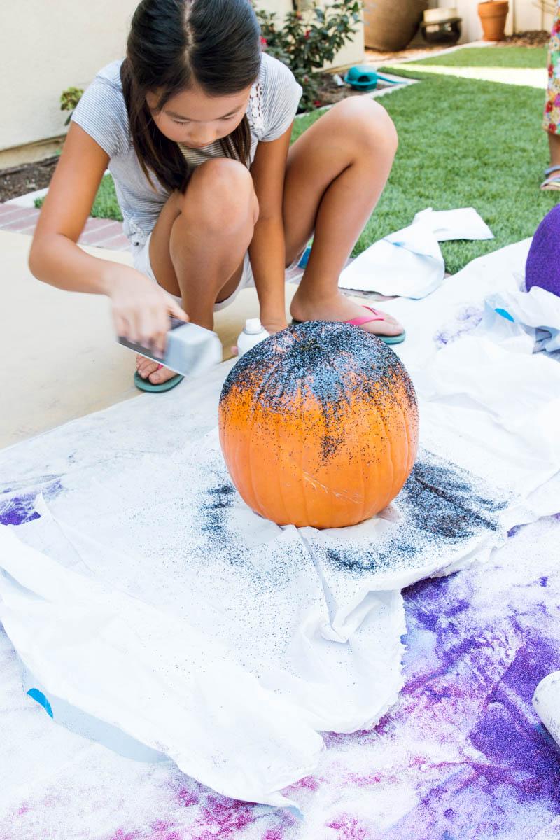 DIY ombre pumpkin glitter halloween