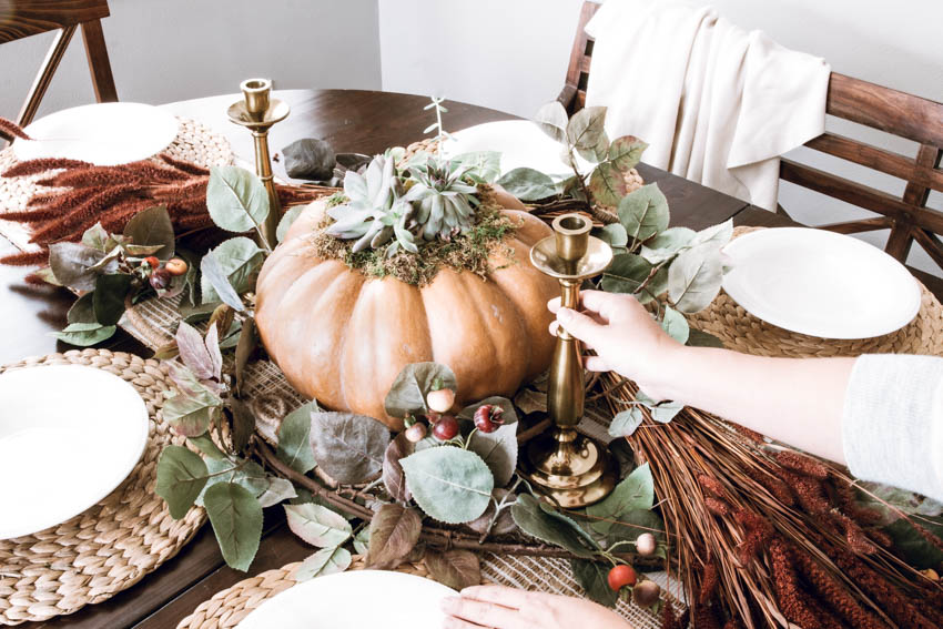 3 Must-Haves for Your Thanksgiving Table // Thanksgiving table must-haves