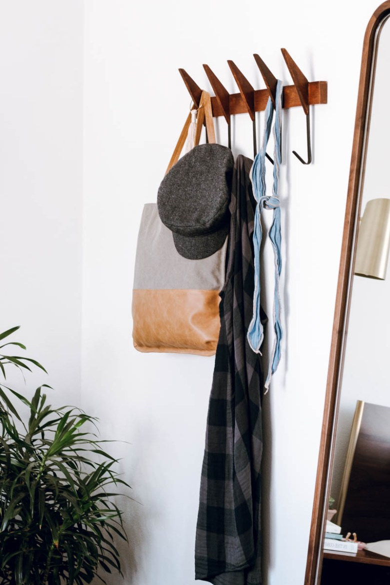 urban outfitters mid century hooks anthropologie hats and tote bag