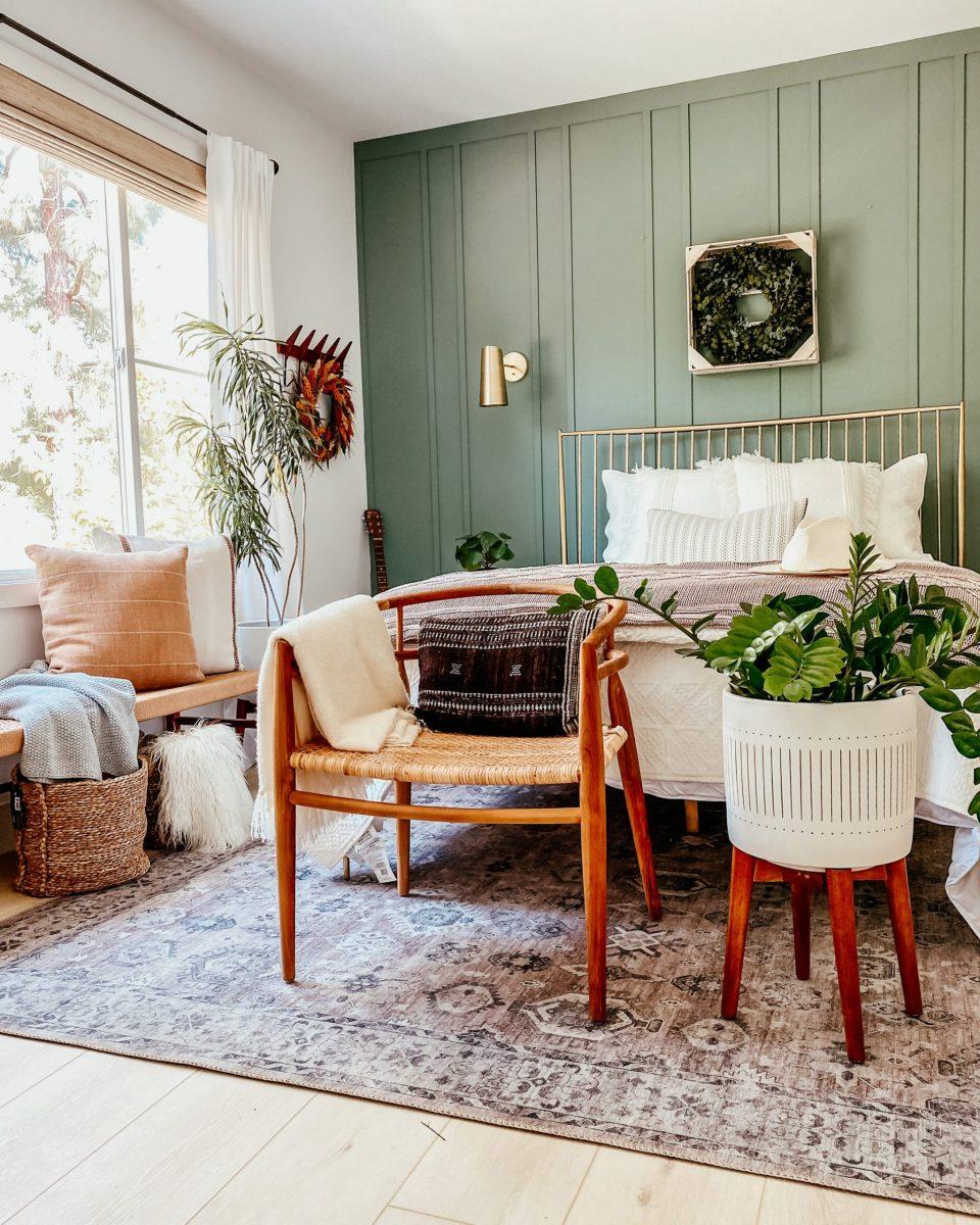 anitayokota.com fall decor, diy board and batten, bed bath and beyond bedding and pillows