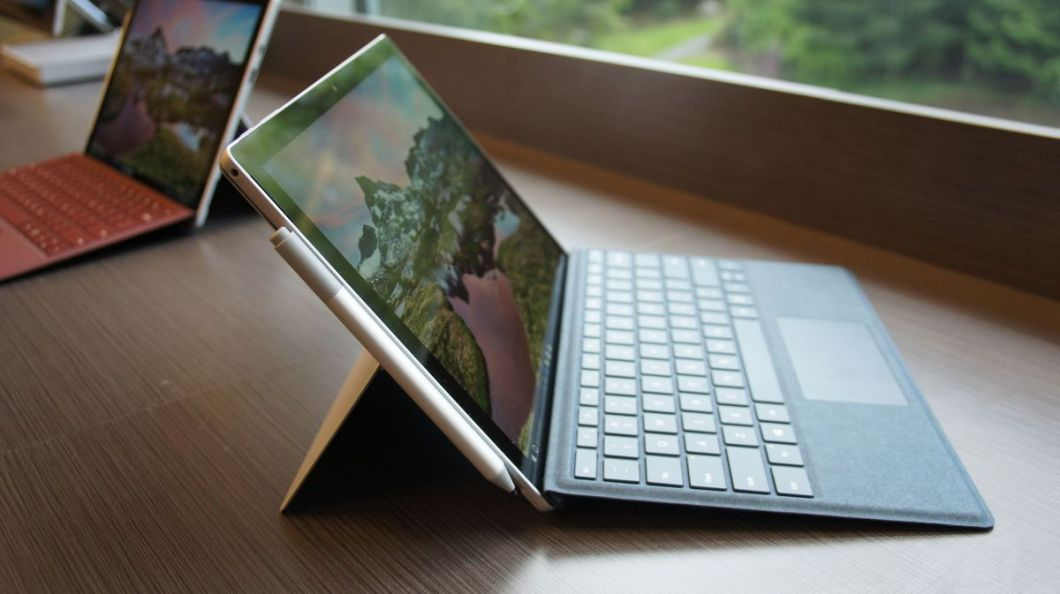 The Surface Pen looks the same, but is more powerful. Battery life -- a year or more -- is, Microsoft said, unchanged.