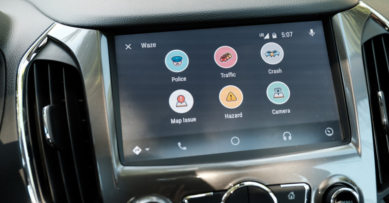waze finally arrives on android auto anith. Black Bedroom Furniture Sets. Home Design Ideas