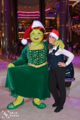 Princess Fiona says Merry Christmas too...