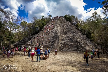 Ah, the beautiful pyramid in Coba! I'll never forget you! =D