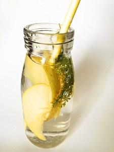 Detox Wasser kurbelt deinen Stoffwechsel an