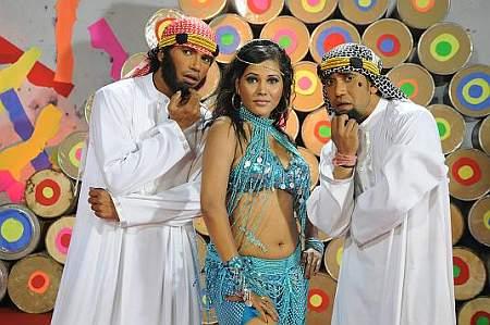 Nirahua brothers with Seema Singh