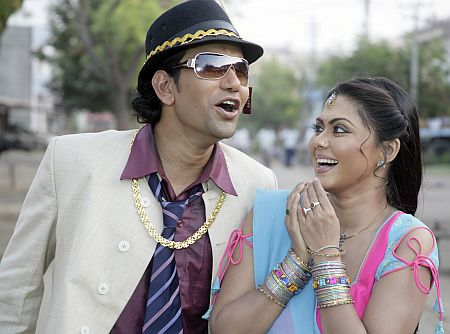 Dinesh Lal yadav Nirahua with Rinku Ghosh in Mrityunjay