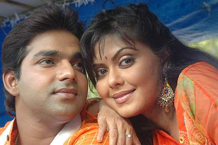 Pawan Singh with Rinku Ghosh in Gathbandhan Pyaar Ke
