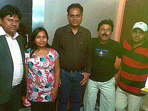 AnilYadavSinger-with-Team