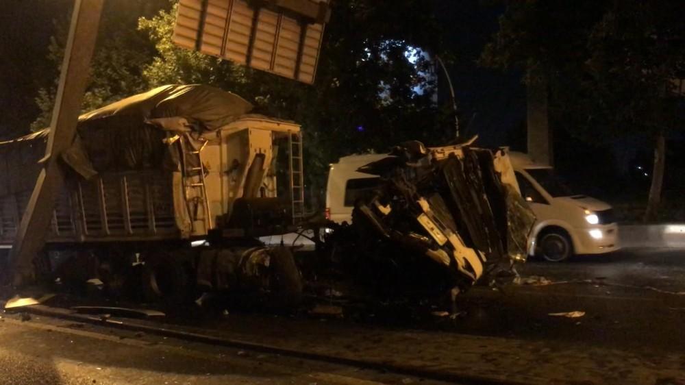 Başkent'te kamyon kazası: 1 yaralı