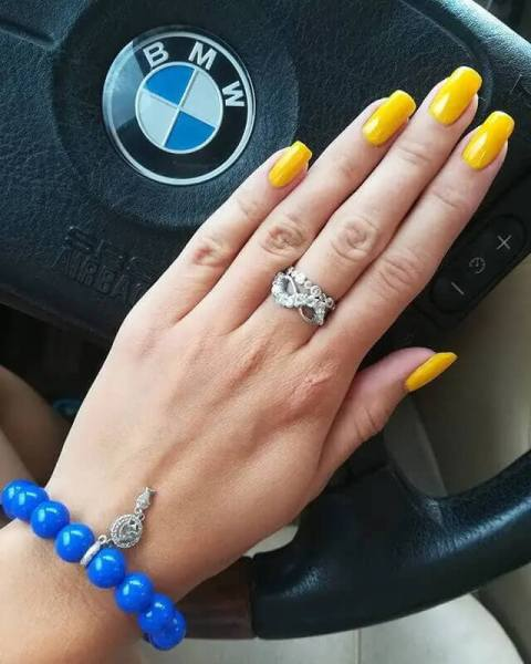 Pretty Bright Yellow Acrylic Nail Art