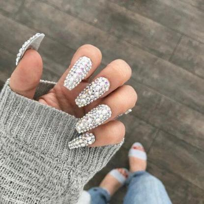 24 Best Ways To DIY Glam French Ombre Nails with Diamonds