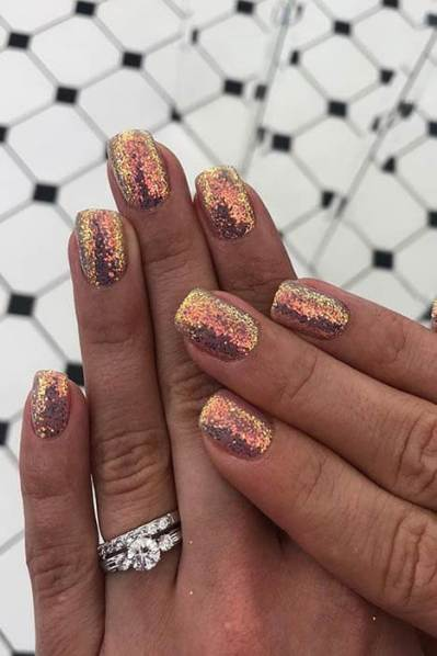 Simple Glitter Gold Nail Art