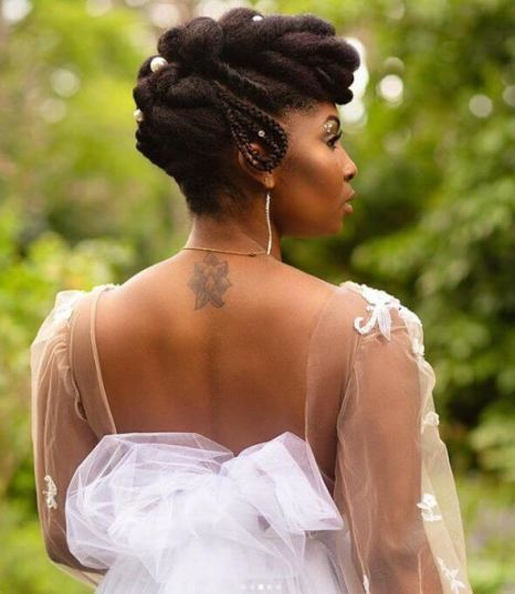 gorgeous updo at a Natural Hair Academy program in France