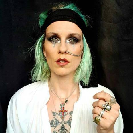 22 Scary Female Pirate Makeup Ideas - Easy For Halloween