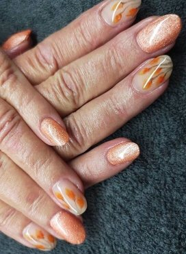 Acrylic nails with autumn flowers