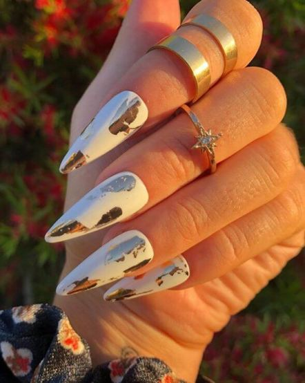 Trendy Gold Nail Art