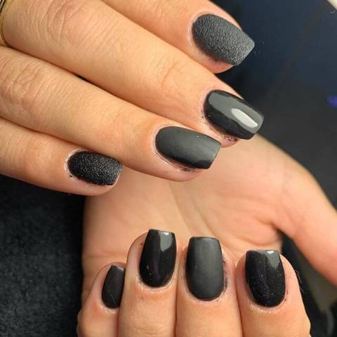12. Classy Matte Manicure That Are Awesome Nail Art 2021 Trends