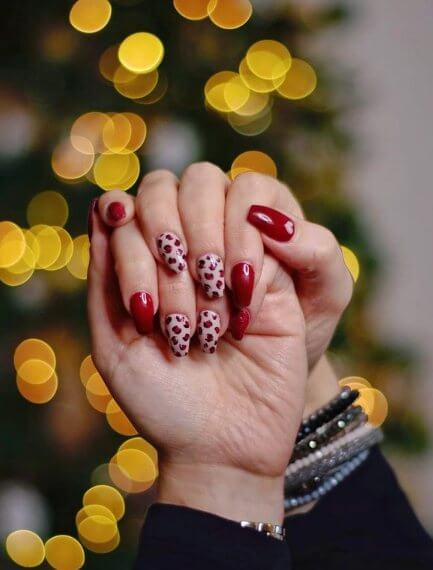 Red Nails with Flowers