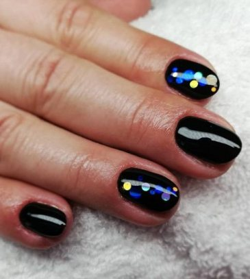 oval black nails