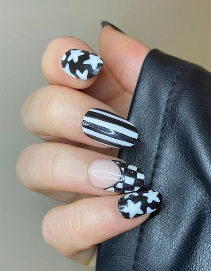 15. Oval Long Monochrome Nails