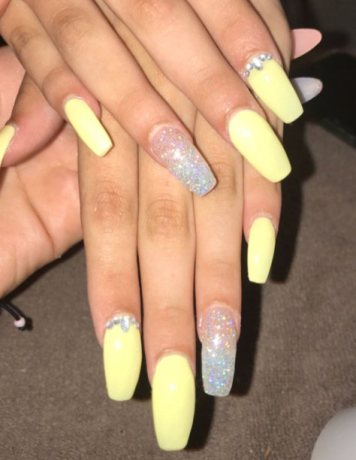 12. Pastel Yellow Ombre Nails