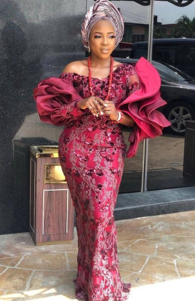 23 Trendy African Lace Gown Styles 2021 To Wear Now
