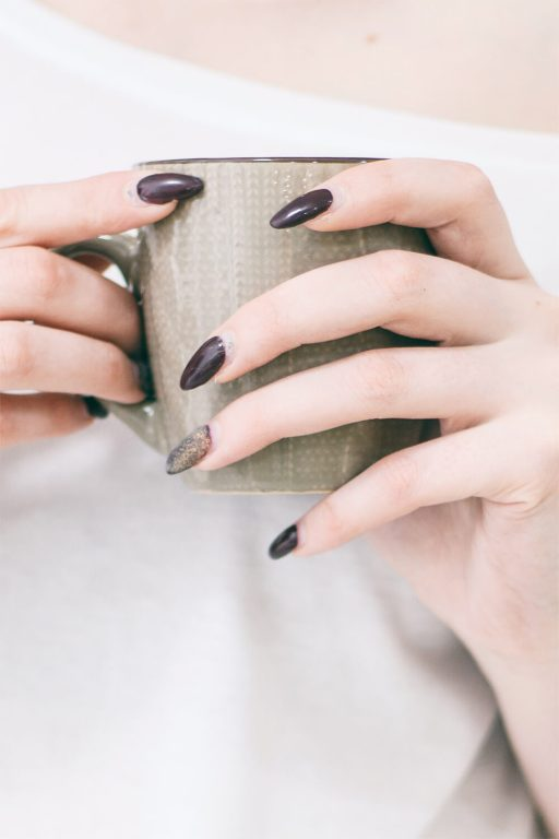 What are the best acrylic nail colors?