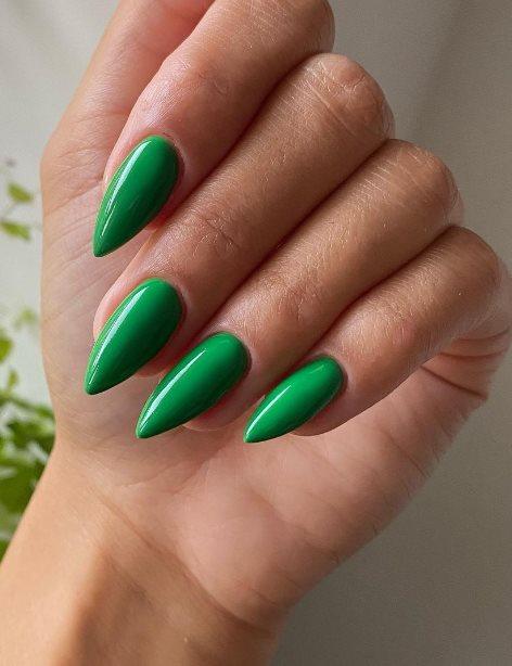 Sexy stiletto nails