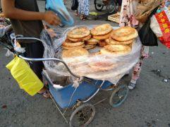 Usbekisches Brot, warm und knusprig