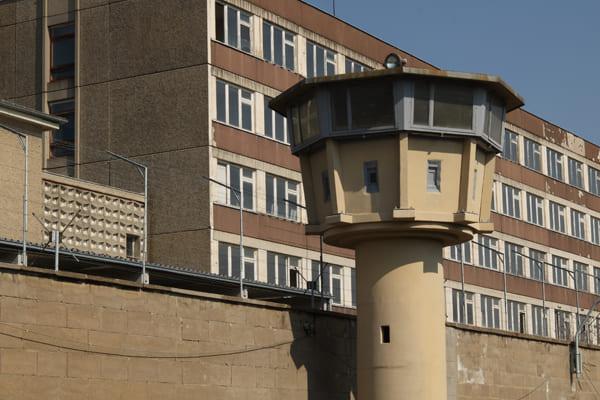 Foto des ehemaligen Stasi-Gefängnisses Hohenschönhausen