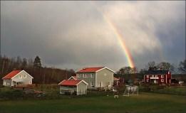 Vacker regnbåge  över Ugglebo...