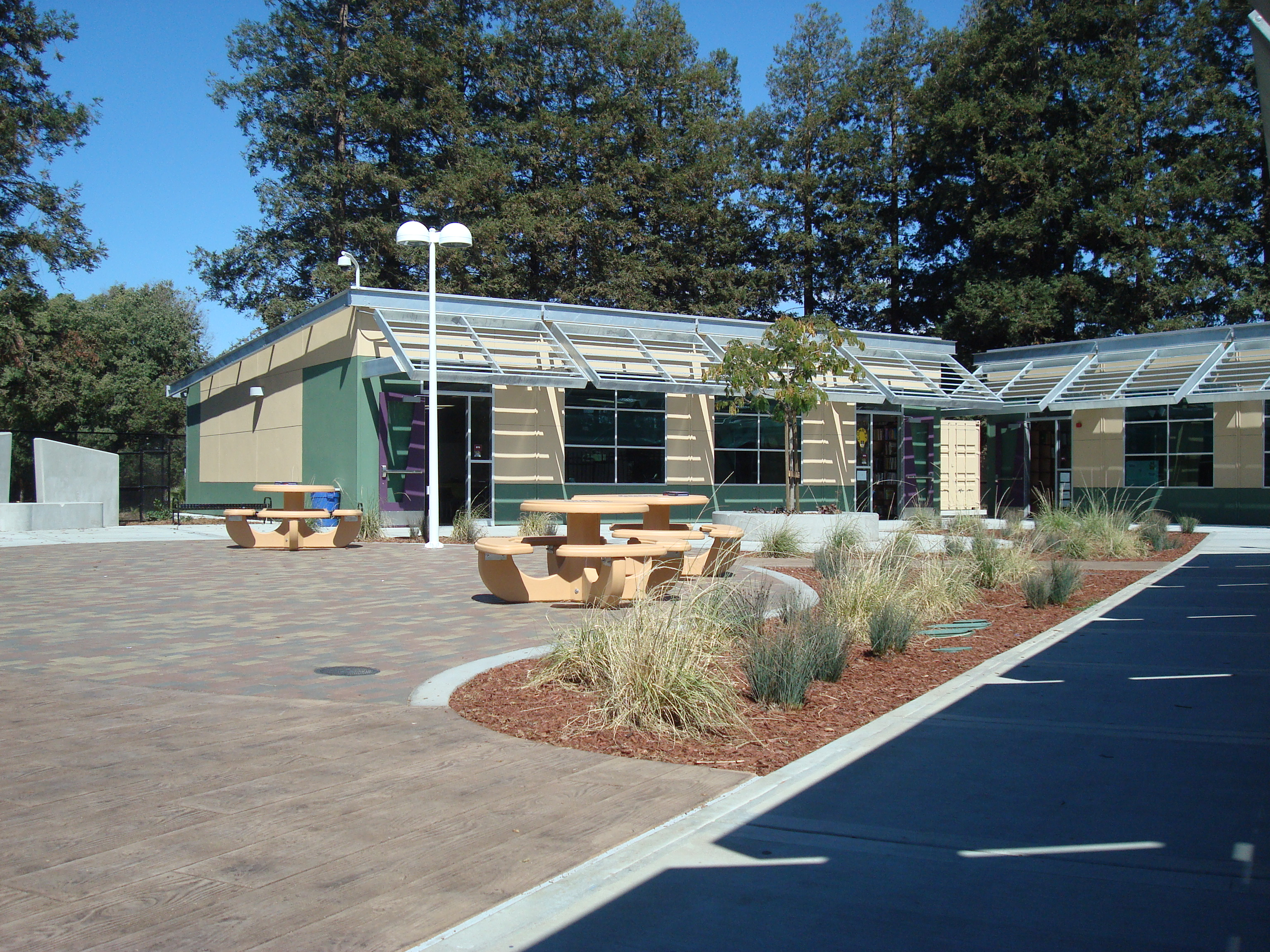 LeyVa Middle School <h5>Technology Center</h5>
