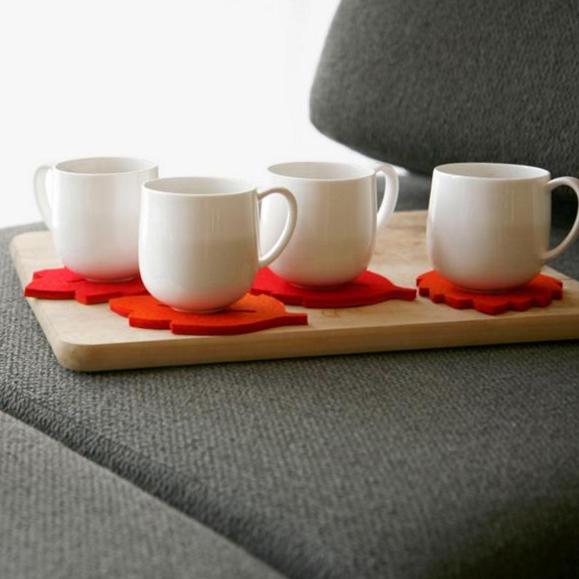 coaster_teroforma_couch