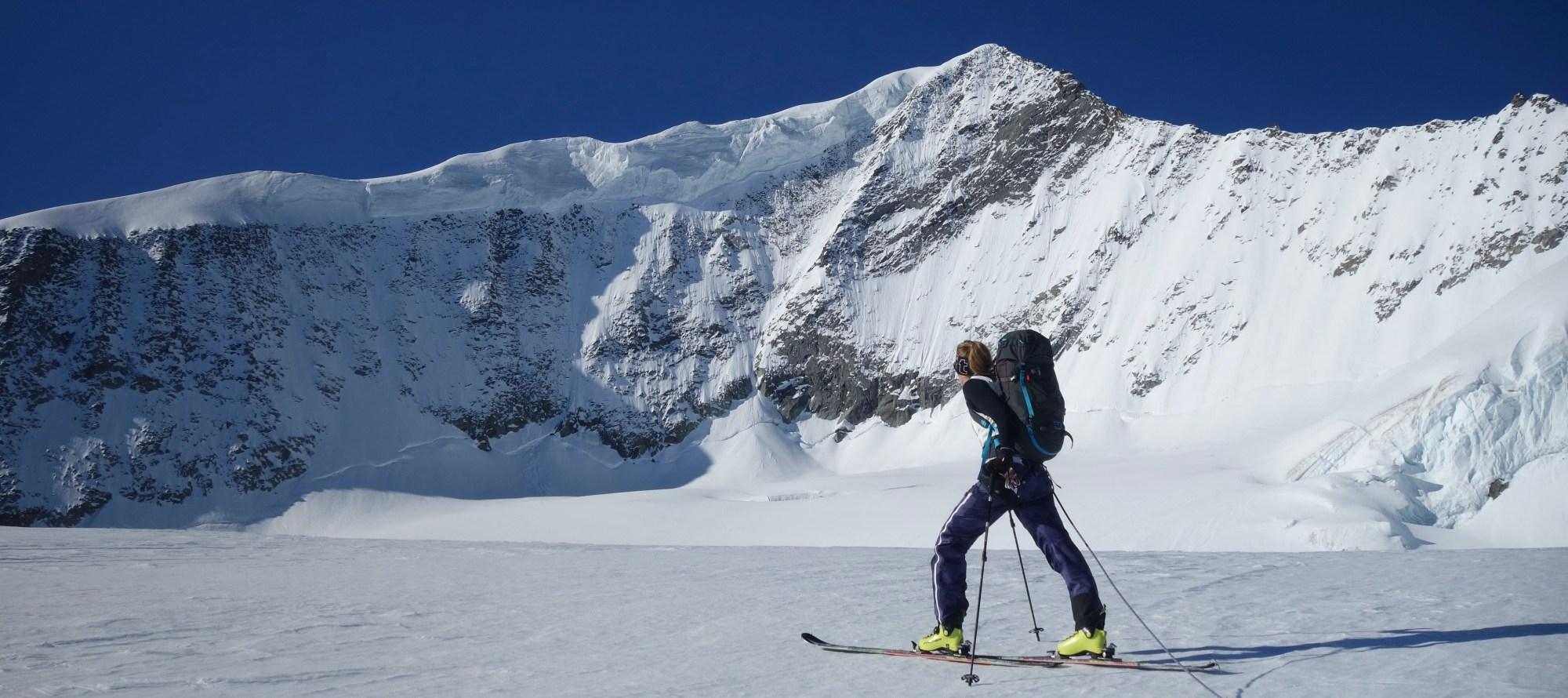 Skiguiding, ski touring