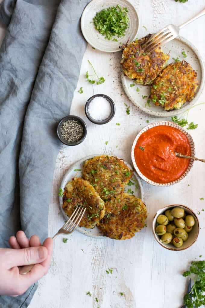 Easy Vegetable Fritters with Smoky Salsa dip | via @annabanana.co