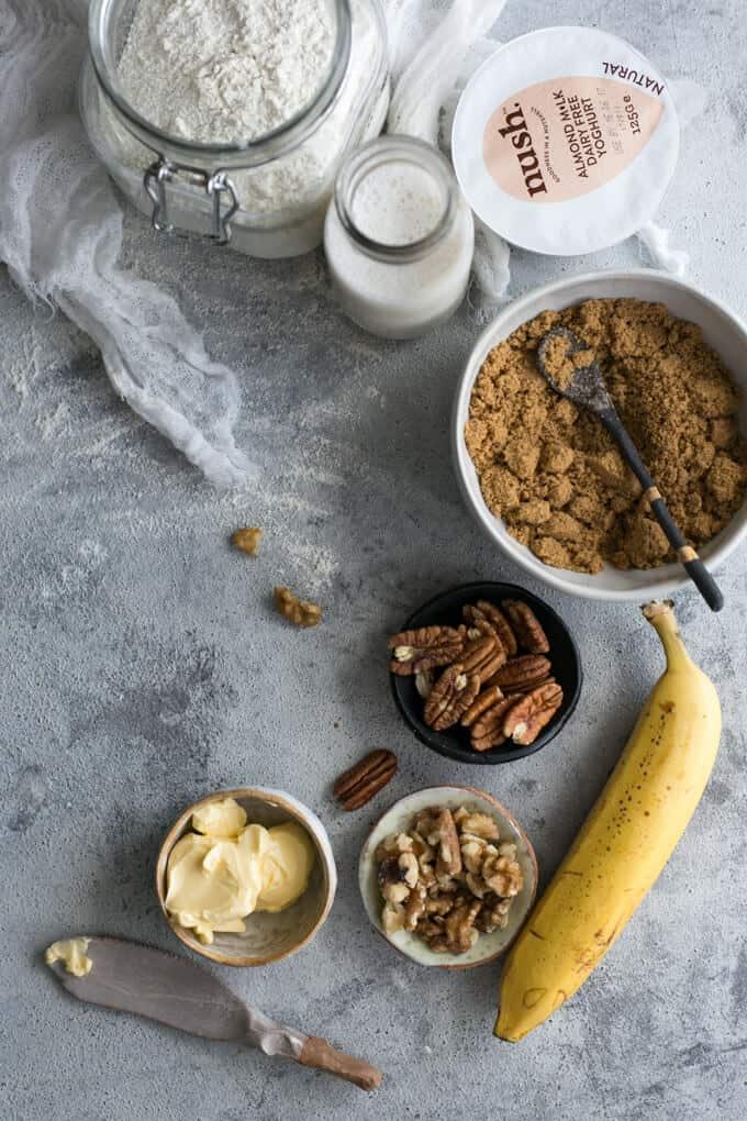 Rustic banana bread with yogurt | via @annabanana.co